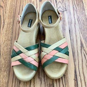 Gee WaWa platform sandals